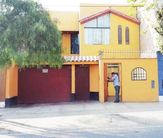 Chorrillos vendo casa 2 pisos+aires 173m2 $230mil, v. avenida