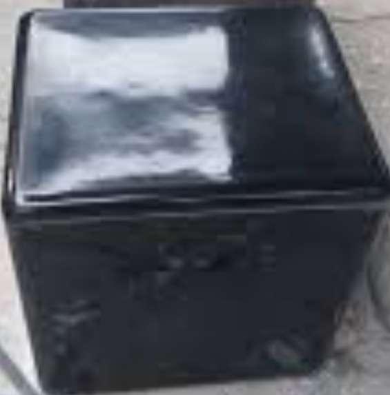 Se ofrece cajas de fibra de vidrio para repartos de delivery