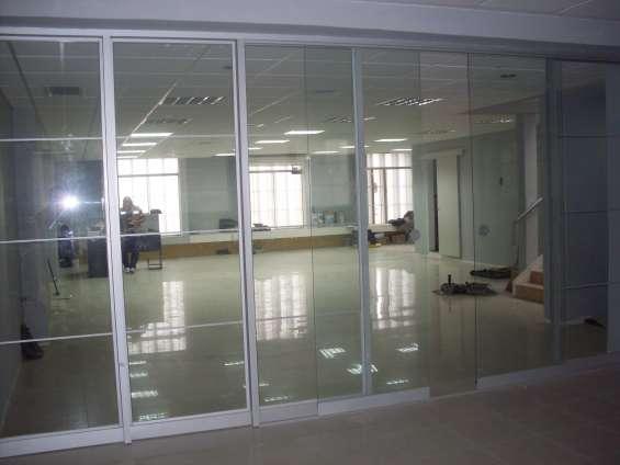 Puertas de ducha en cristal templado - mamparas - ventanas carp. de aluminio - surco