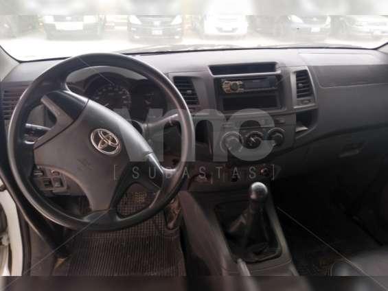 Fotos de Toyota hilux 2013 4x4 diesel 3