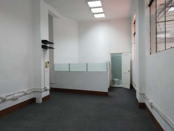 Oficina en 1 piso cerca a palacio de justicia